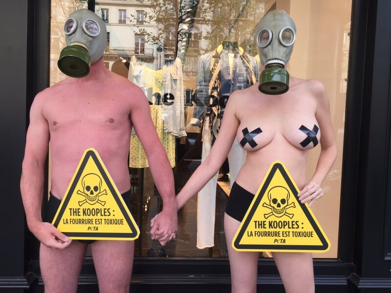Paris Kooples fourrure toxique PETA (1)