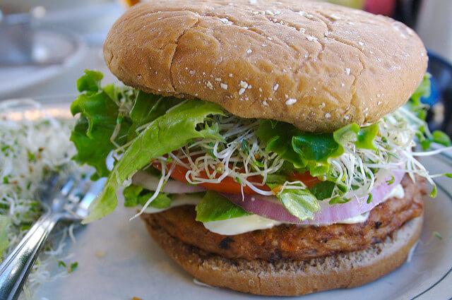 Journée internationale du burger: ces 12 burgers végans vous combleront!
