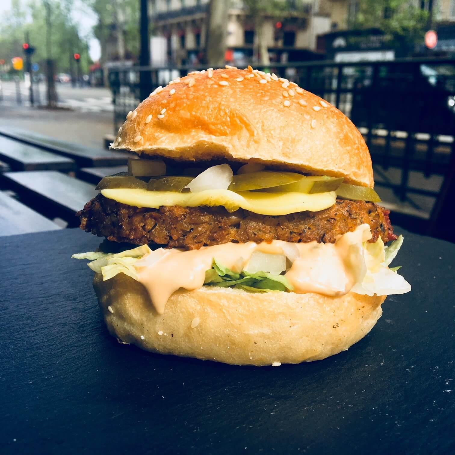 East Side Burgers x PETA: le Big Smack débarque à Paris