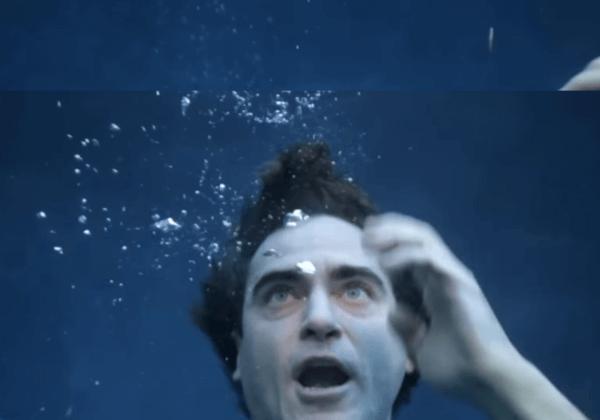 Joaquin Phoenix est en train de se noyer